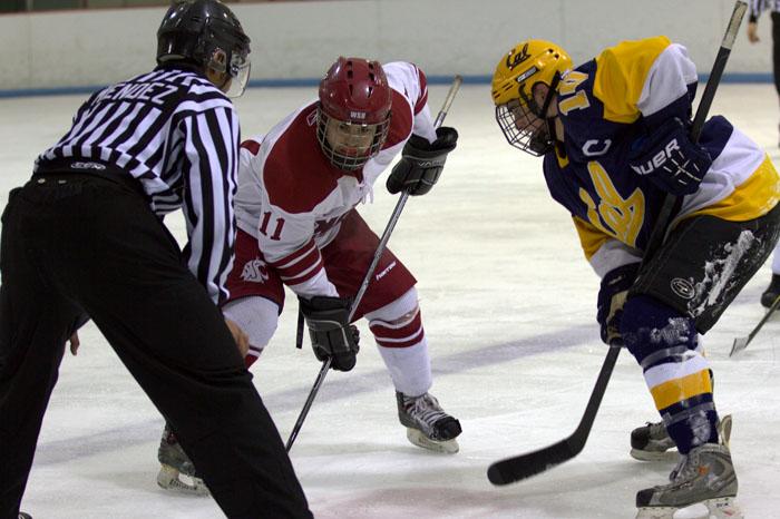 The+WSU+Hockey+Club+faces+off+against+Cal%2C+Jan.+14+2012.