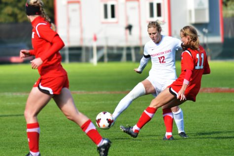 Soccer shuts out Buffaloes, falls short to Utes