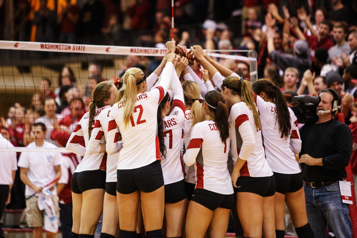 The+WSU+volleyball+team+huddles+during+a+home+game+against+Arizona+State%2C+Friday.+Oct.+11.