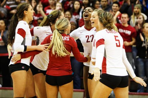 Volleyball attempts to defend home court