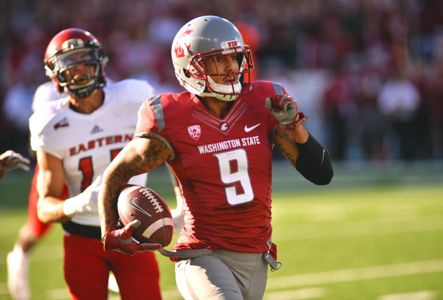Former WSU receiver Gabe Marks runs with the ball in a game against Eastern Washington last season