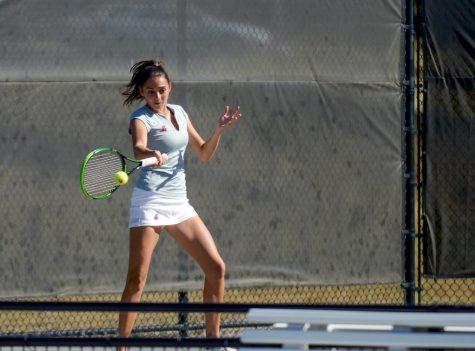 Melisa Ates leading on the court