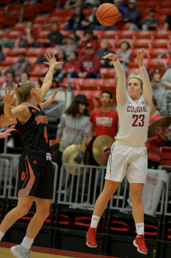 WSU+junior+guard+Alexys+Swedlund+goes+for+a+three-pointer+against+Idaho+State+University+at+Beasley+Coliseum+on+Friday.