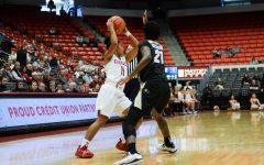 WSU loses fourth conference game of season