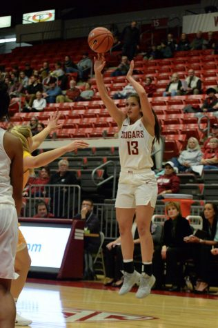 WSU heads to Cali for tough road trip
