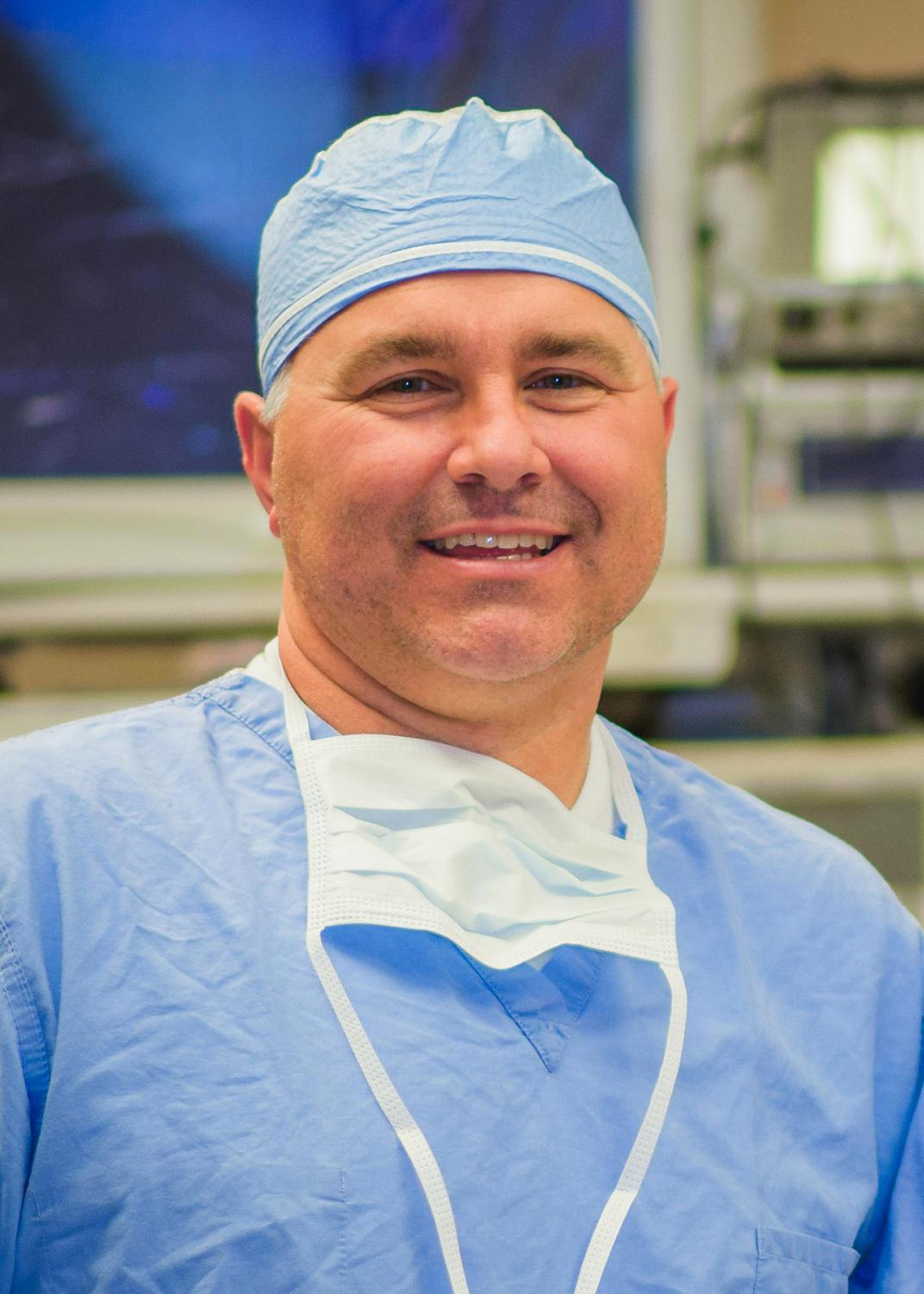 Corey Johnson, a certified registered nurse anesthetist, says the radiofrequency ablation procedure can relieve back and knee pain without opioids.