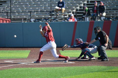 Eighth inning rally pushes WSU past Santa Clara