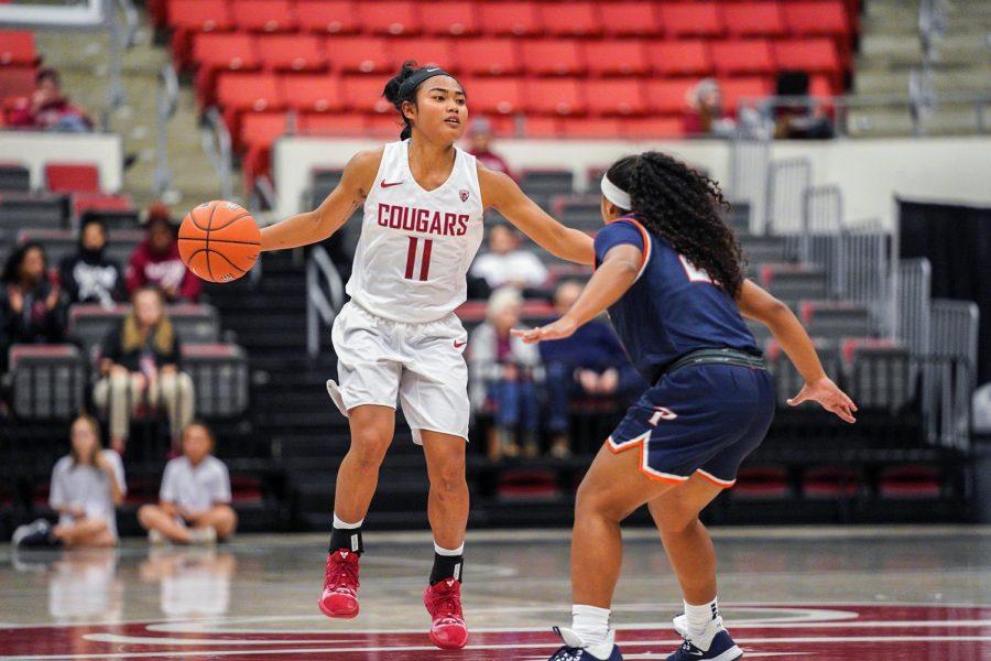 Senior+guard+Chanelle+Molina+anticipates+her+move+against+Pepperdine+University+on+Nov.+5+at+Beasley+Coliseum.