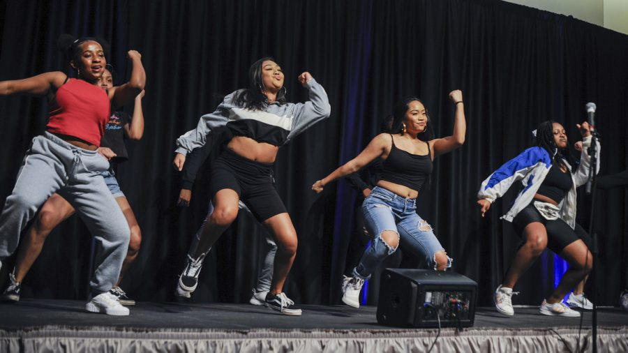 Hip-hop+dance+group+Krimson+Kouture+is+now+holding+two+meetings+a+month%3B+one+for+teaching+choreography+and+one+for+team+bonding.