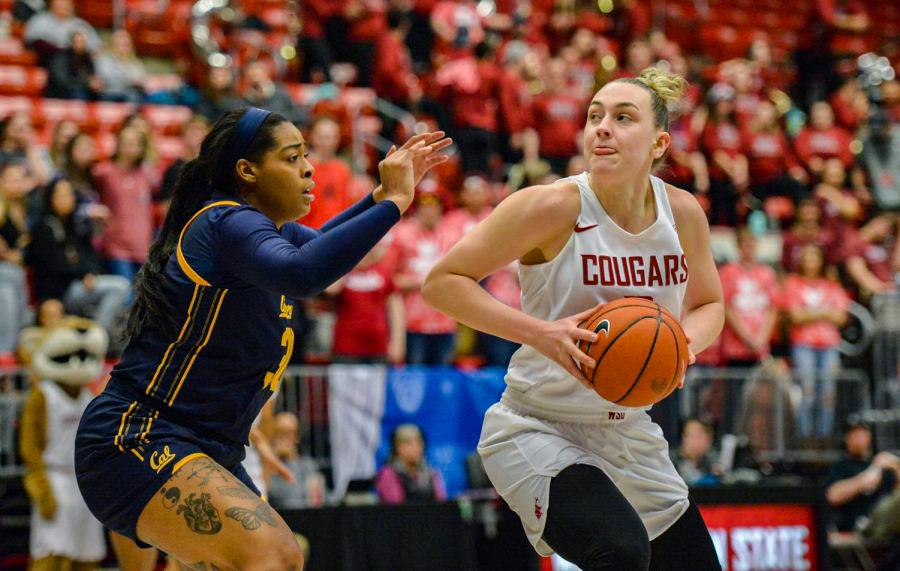 Sophomore center Emma Nankervis makes move toward hoop against Cal.